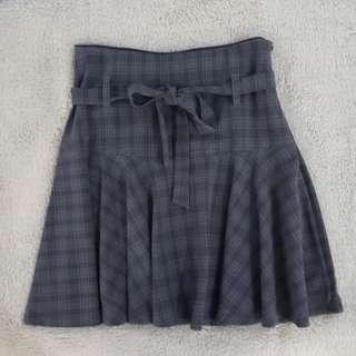 Preloved: Bado Gray Casual Skirt (size S)