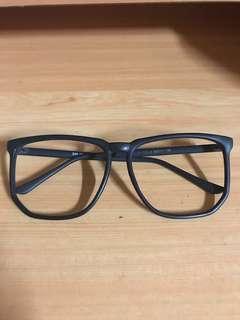 🚚 霧黑無鏡片眼鏡