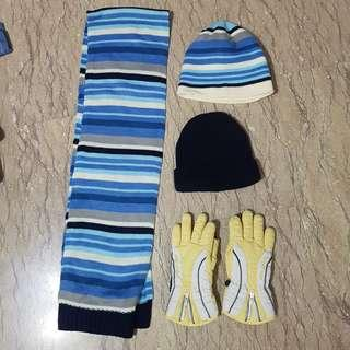 Scarf, hats & gloves