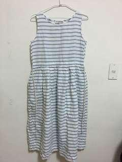 🚚 Uniqlo巴黎聯名款條紋洋裝