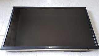 """LG 42"""" TV with wall mount bracket"""