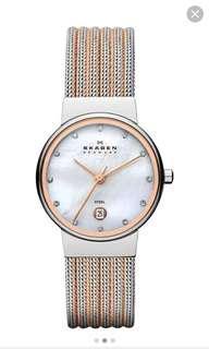 🚚 Skagen two tone stainless steel bracelet watch