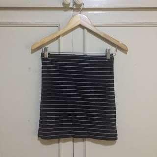 H&M Stretchable Pencil Skirt