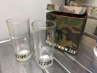 Izzue 杯