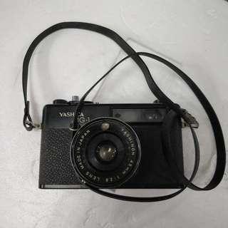 YASHICA MG-1 旁軸菲林相機.沒電試定為配件機
