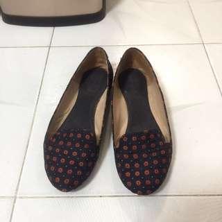Zara 花花紋平底鞋