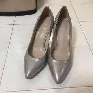 AME 銀色高跟鞋 幼踭 只穿過一兩次
