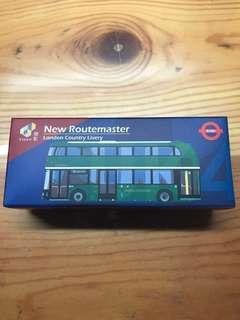 Tiny微影 UK4 倫敦巴士 New Routemaster (London Country Livery)