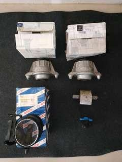 🚚 1 x used Mercedes C280 engine and gear box mounting with free delivery