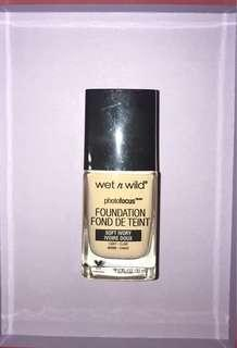 Wet n Wild Photofocus foundation -Soft Ivory