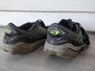 Sketchers go run running shoe