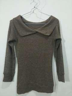 Brown knitted blouse