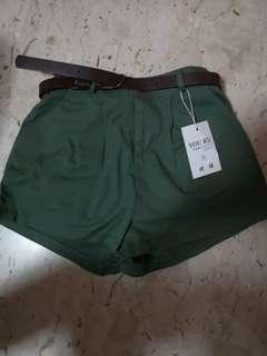 BNWT Uzzlang Green shorts with belt