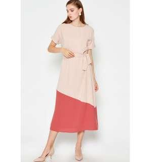 LAB Eukene Colourblock Dress with Sash Cream
