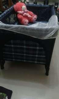 Baby cot hello teddy