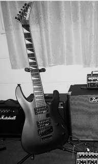 Guitar Jackson JS32 Dinky Arch Top + Beg Gator