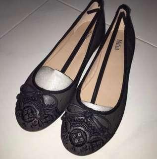 (Size: 40) BNIB Mitju Lace Flats/Shoes