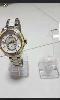 🚚 21 pieces watch  and braclet stand