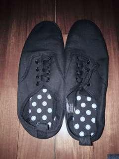 全新黑色帆布鞋40號