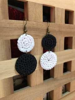 🚚 Black and white earring #2