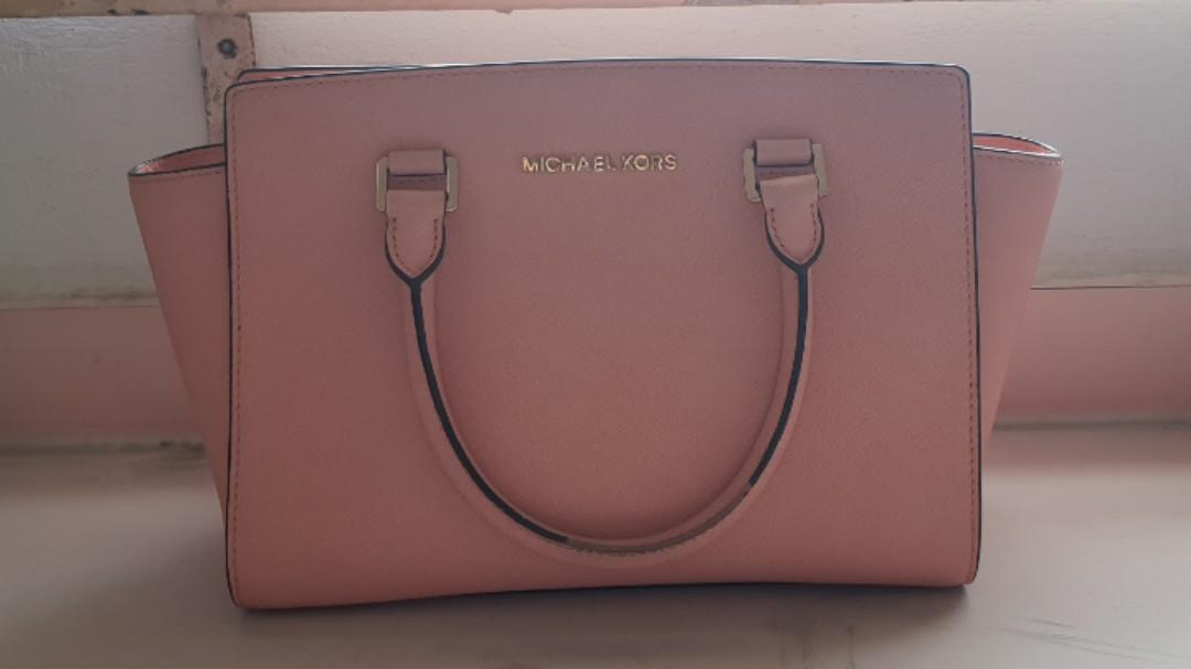 Authentic Michael Kors Selma Sling Bag