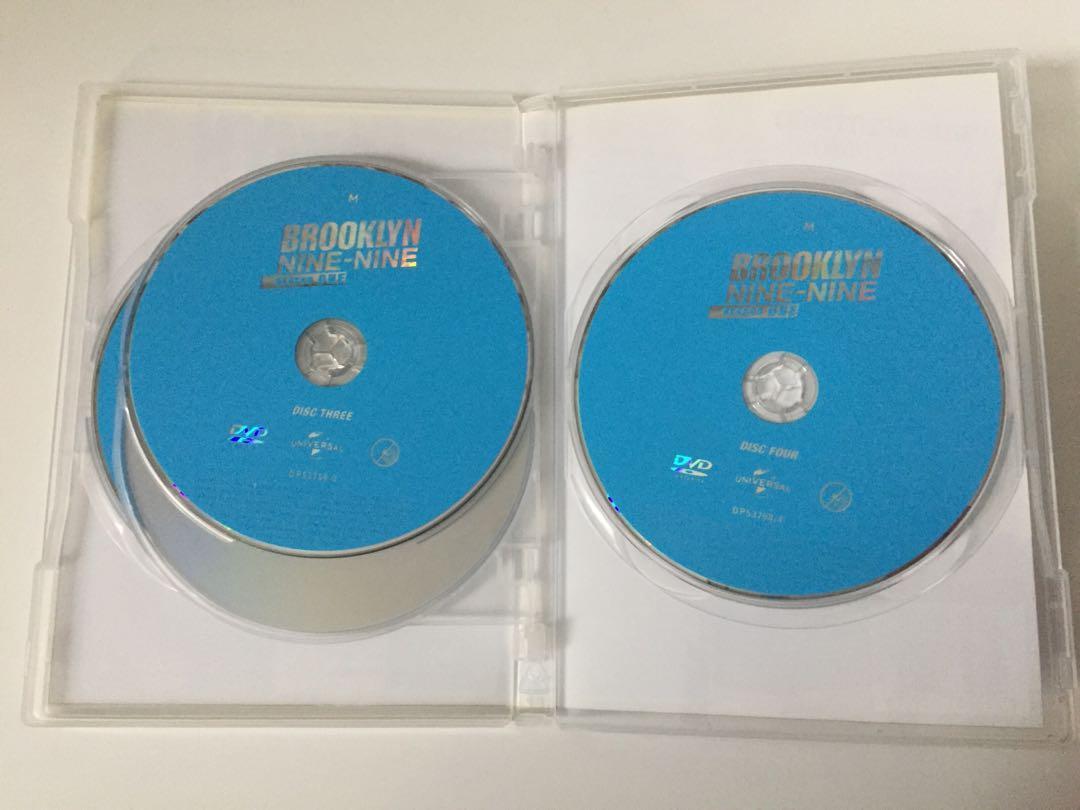 Brooklyn Nine-Nine: Season One DVD 4-Disc Set