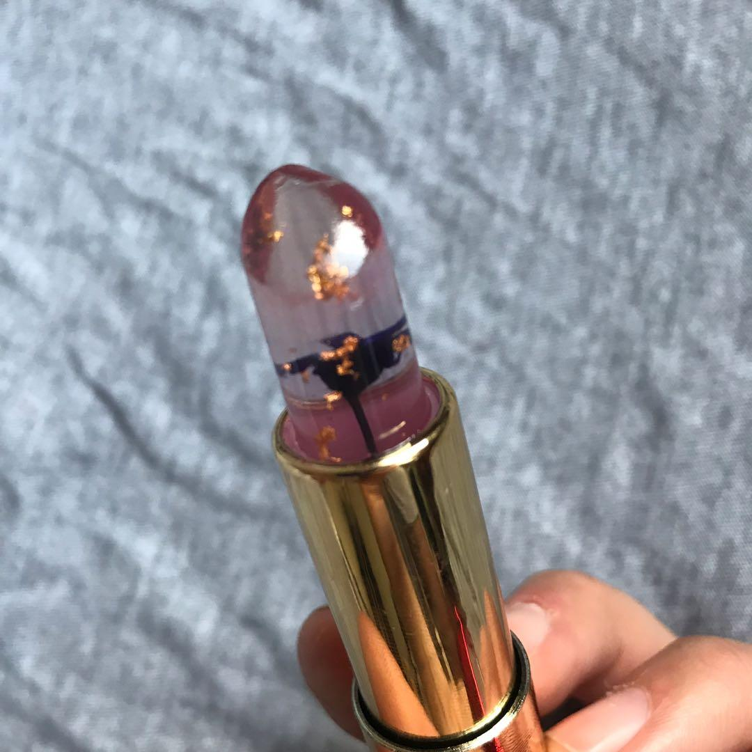 Cool clear lipstick that turns red (pink) when u put it on