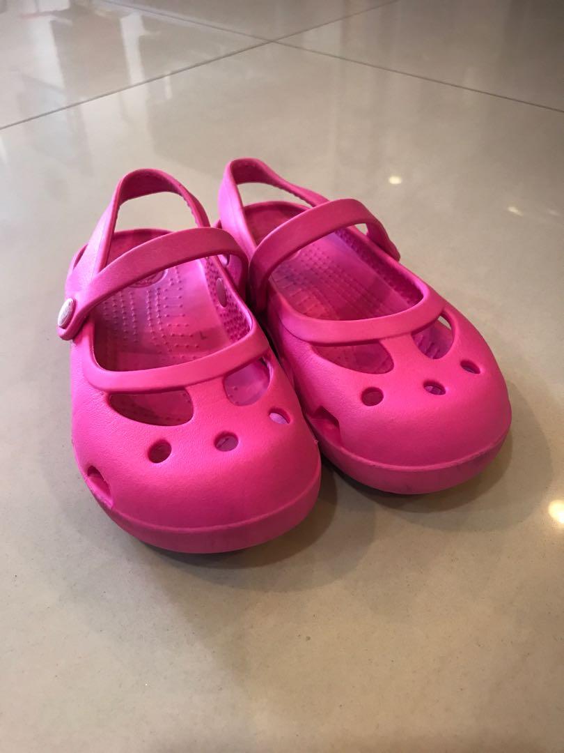 28b295d0792e Crocs Sale! Size C10