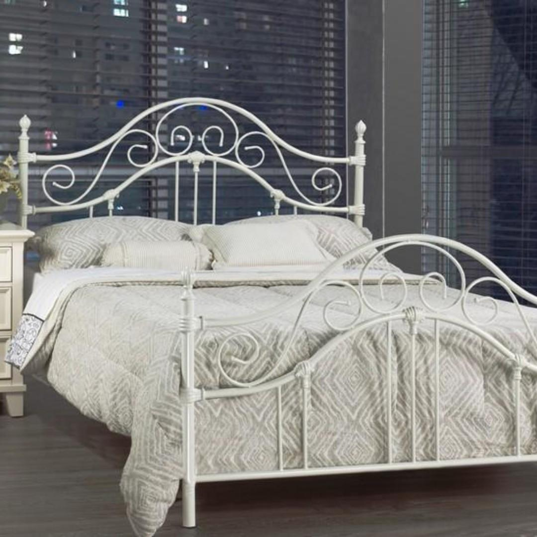 Free Delivery/Assembly -  Brand New from Manufacturer - Carolina  Bed