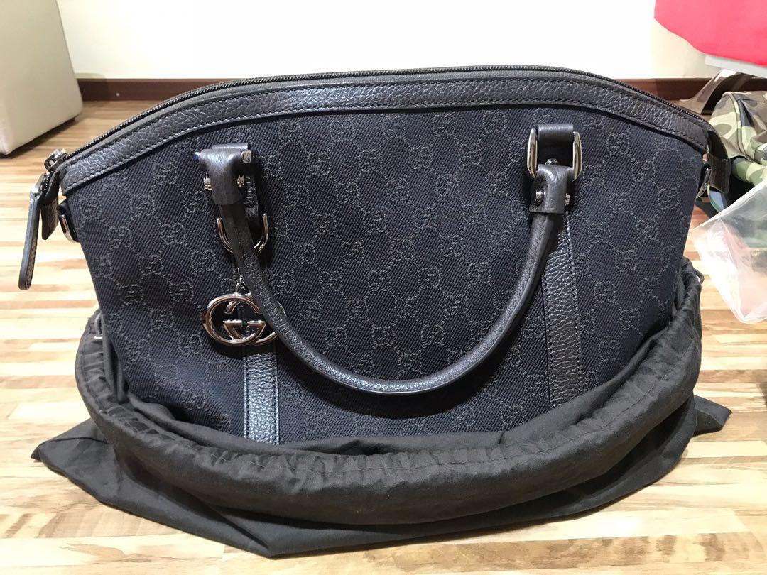 6424848e2ba1 Gucci tote/sling bag, Luxury, Bags & Wallets, Handbags on Carousell