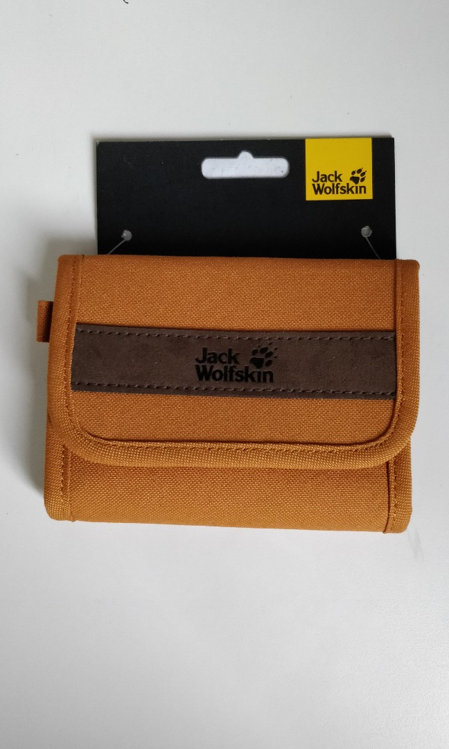 e7b6143236 Jack Wolfskin Embankment Wallet, Men's Fashion, Bags & Wallets ...