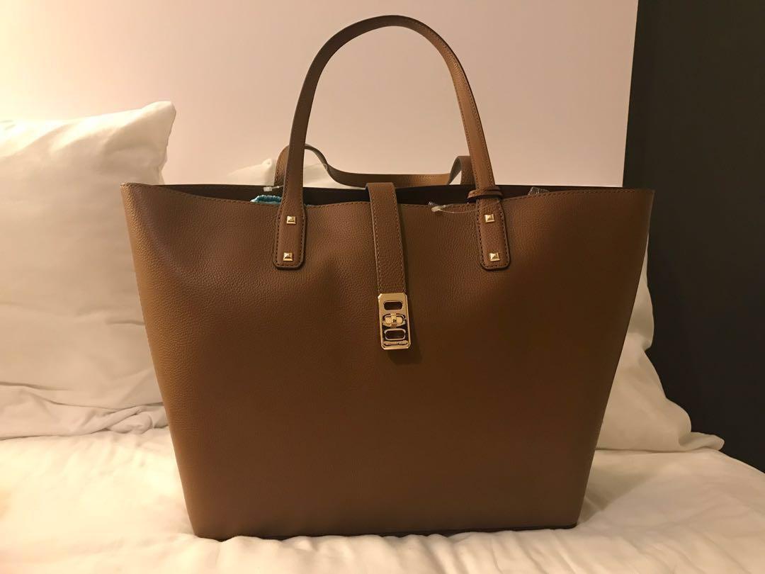 944c39bedd6b MICHAEL KORS HANDBAG (KARSON), Women's Fashion, Bags & Wallets ...