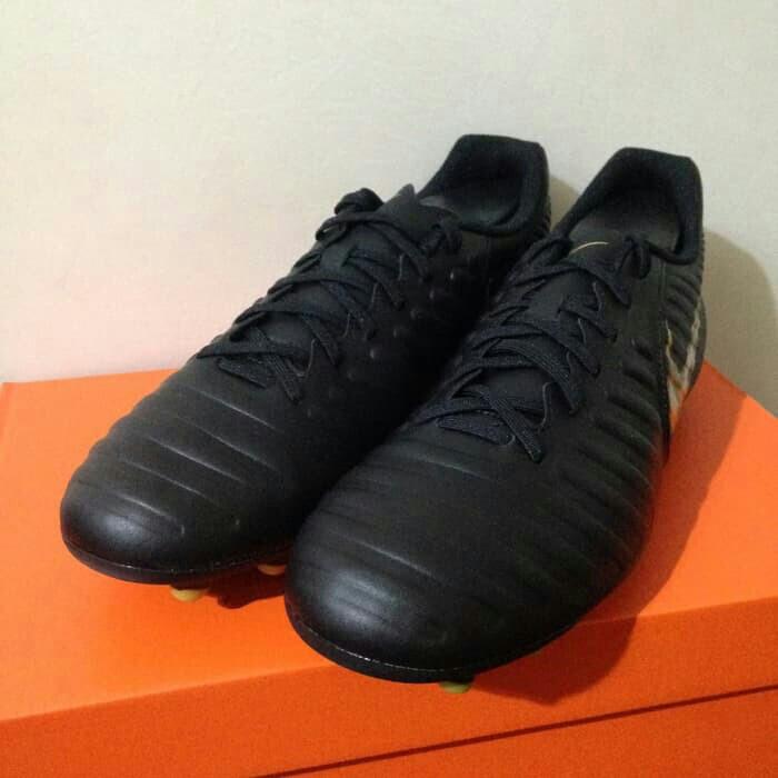 670d07ada9a Sepatu Bola Nike Legend 7 Club FG Black Gold AO2597-077 Original BNIB