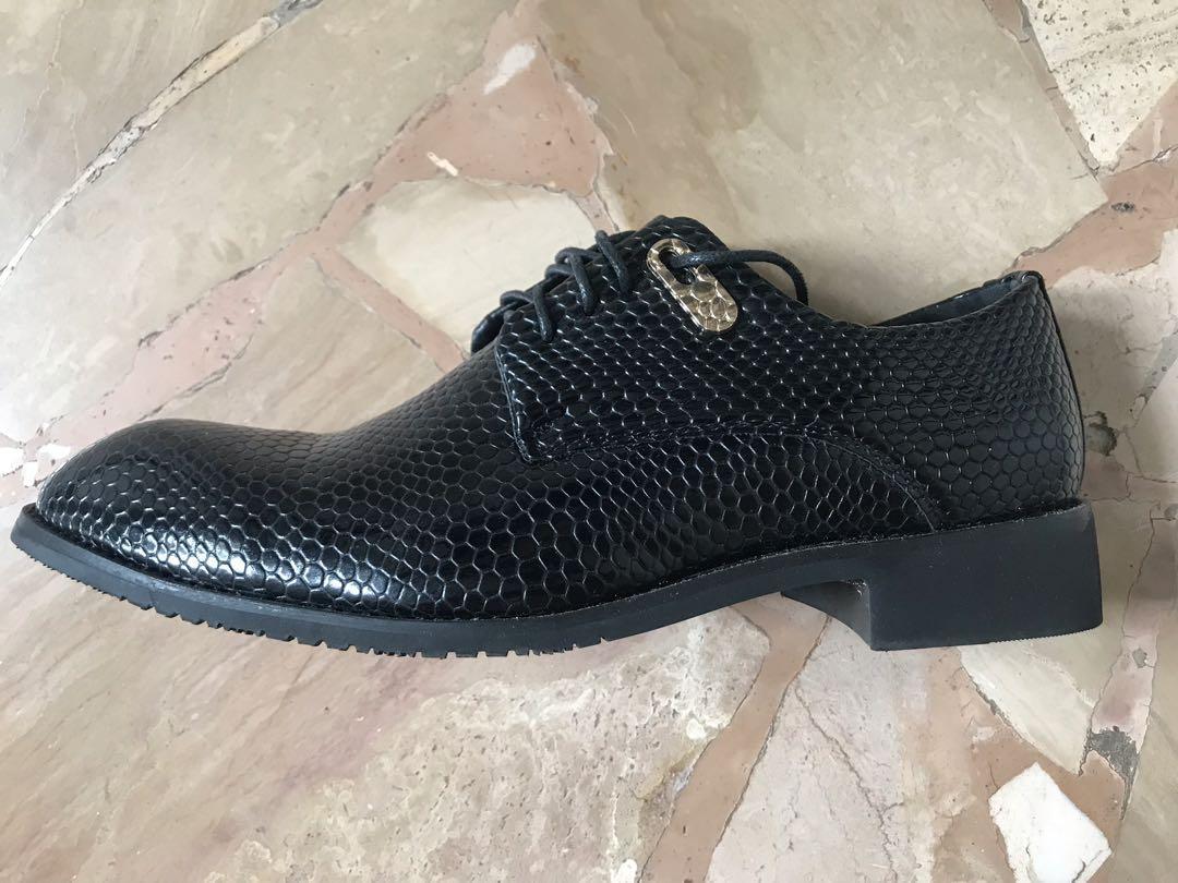 Sepatu Kerja Impor motif Kulit Ular 6d84e7dc90