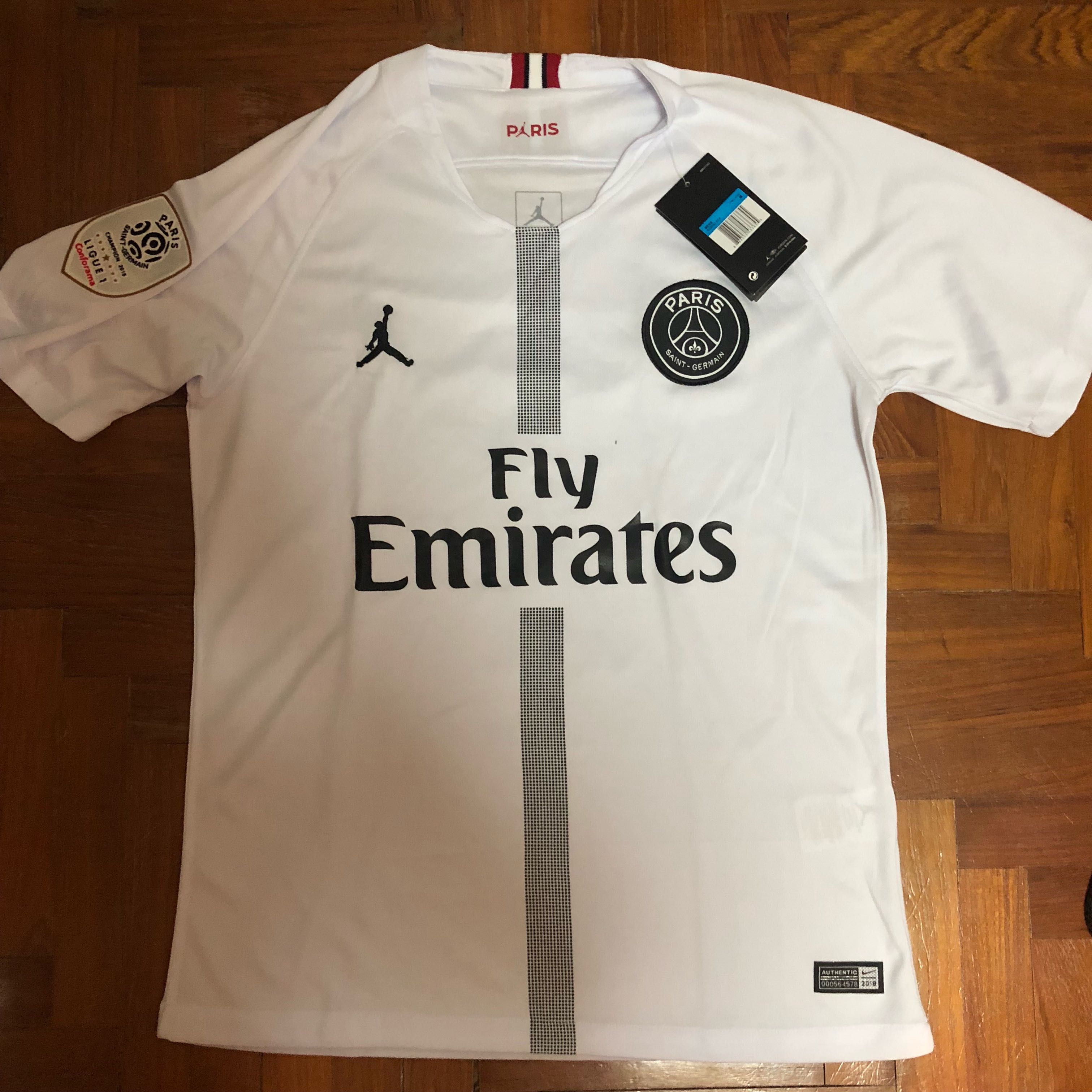 T  Mbappe PSG Jersey 2018 2019 c5f360591
