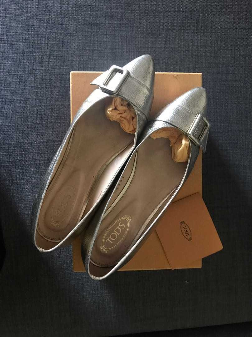TODS Metallic Pointed-Toe Flat Shoes Gold f7cb0859fc1