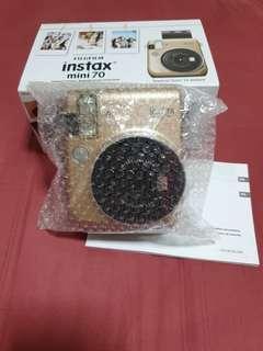 Fujifilm Instax Mini 70 in Gold