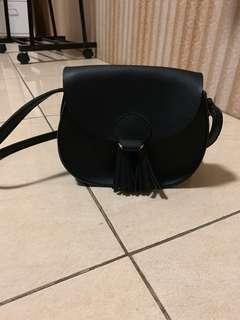 Miniso Mini Black Sling Bag / Tas Selempang Wanita