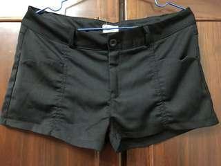 🚚 黑色西裝布短褲