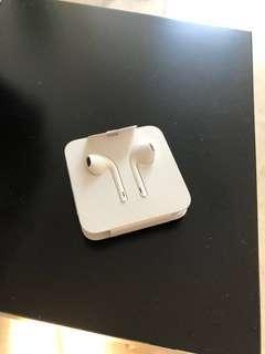 Apple Lightning Headphones (new unused)