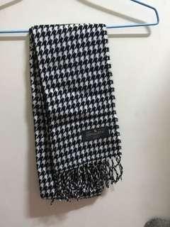 🚚 黑白保暖圍巾😊