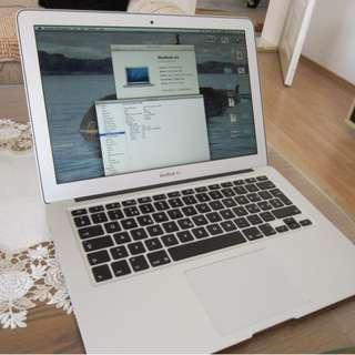 MacBook Air 13 inch early 2014 i5