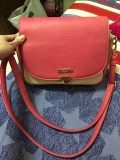 🚚 粉色大容量多層斜背包