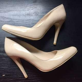 Wittner Nude Patent Leather Heels