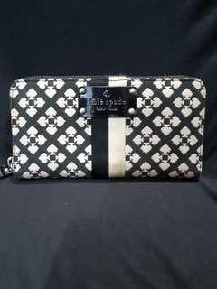 Kate spade wallet 2nd with defect