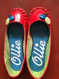 Shoes size 10 (3yrs old)