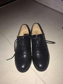 黑色真皮皮鞋95%NEW