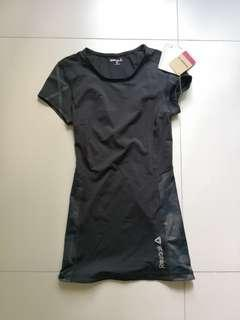 Reebok ladies compression top Small