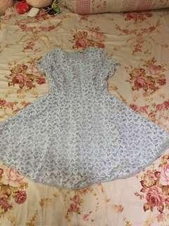 Dress brokat putih