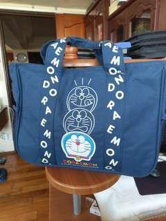 🚚 哆啦A夢經典手提包